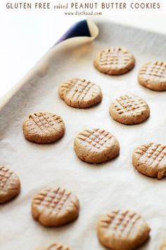 Gluten Free Salted Peanut Butter Cookies - Made with just a few ingredients, these cookies are fudgy, sweet & salty, gluten free and naturally sweetened. / Wholesome Foodie <3