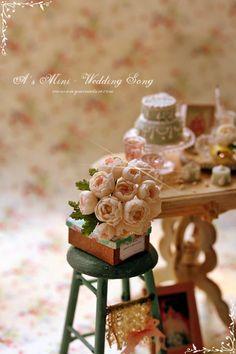 Miniature Wedding cake and flowers
