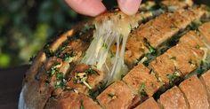 Käse-Zupfbrot+–+Partybrot+mit+Kräutern+und+Käse