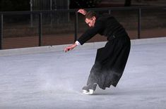 'That man is skating in a dress!': check out the ice skating priest - See more at: http://aleteia.org/blogs/deacon-greg-kandra/check-out-the-ice-skating-priest/?utm_campaign=english_page&utm_medium=aleteia_en&utm_source=Facebook#link_time=1482872837