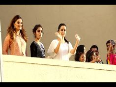 WOW ! Shraddha Kapoor waving at her fans from balcony.