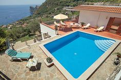 Villa holiday in Amalfi Coast. Located near to the small village of Nerano and just a few kilometres drive a pebbled beach and collection of restaurants at Marina del Cantone, this hillside property provides a fantastic location from which to explore the Sorrentine peninsular. https://www.jamesvillas.co.uk/destinations/italy/amalfi-coast/marina-del-cantone/nerano-10276