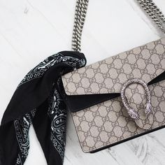 Fashion Gone rouge: Photo Accessorize Shoes, Fashion Gone Rouge, Gucci Baby, Cloth Bags, Luxury Bags, My Bags, Sunglasses Accessories, Jewelry Accessories, Purses And Handbags