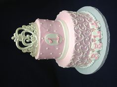 Girls 1st birthday cake...like it all but the crown.