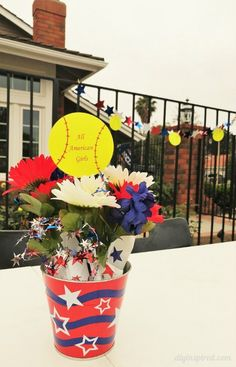 Cheap and Easy DIY Softball Party Decorations for an end of the year pool party along with other budget friendly party ideas. Softball Party Decorations, Football Centerpieces, Party Centerpieces, Quinceanera Planning, Quinceanera Party, Hot Dog Bar, Team Pictures, 15th Birthday, Grad Parties