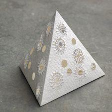 borduren op papier (met elektrische kaars eronder, leuk als verlicht kerst-boompje Decorative Boxes, Decorative Storage Boxes
