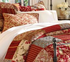 Love the large patchwork...hmmm...layer cake idea!
