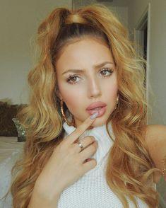 subtle makeup,rosey lips