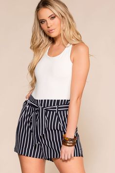 Take it all and steal some hearts in our Alex West Stripe High Waisted Shorts. A high waist silhouette (perfect for any crop top or bodysuit! Navy Shorts Outfit, Striped Shorts, Cute Fashion, Style Fashion, Fashion Outfits, Fashion Trends, Short Outfits, Cute Outfits, Cute Dresses