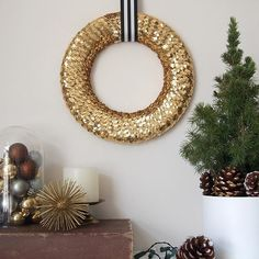 One of the most iconic symbols of the Holiday Season is the and one quick search will prove that. With so many materials to choose from, size ranges and ways to add texture to a wreath, it can be refreshing to stick to just one thing Christmas Time Is Here, Christmas Holidays, Xmas, Christmas Ideas, Holiday Crafts, Holiday Decor, Decorating Your Home, Arts And Crafts, Symbols