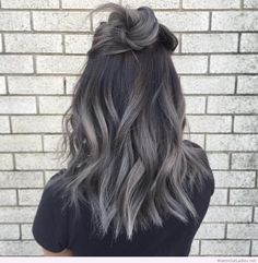 Metalized grey pastel hair in medium bob