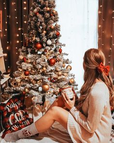 """Iris 🌸 Travel & Lifestyle on Instagram: """"It's the most wonderful time of the year ✨♥️ #christmas #weihnachten #weihnachtsbaum #weihnachtszeit #weihnachtszauber…"""" Time Of The Year, Wonderful Time, Christmas Tree, Photo And Video, Instagram, Holiday Decor, Christmas, Christmas Time, Teal Christmas Tree"""