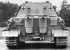 Rear view of the heavy Jagdtiger and its access hatch (with 80 mm of armor).