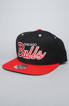 best sneakers aa897 d8b3f Mitchell   Ness The Chicago Bulls Script Snapback Cap in Black Red