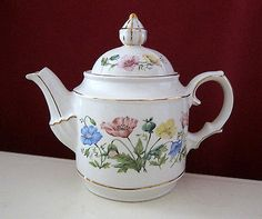 WINDSOR PORCELAIN TEAPOT WITH HAND PAINTED WILD FLOWERS MADE IN ENGLAND Teapots And Cups, Tea Sets, Tea Cup Saucer, Flower Making, Sugar Bowl, Windsor, Tea Time, Wild Flowers, Porcelain