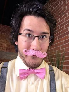 That look it's such a good look!  :: I'm thinking for the spring fling I may just cosplay Warfstache based off this version of him. :)