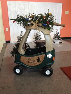Cozy coupe made over for Christmas, lol! Christmas Minis, Christmas Pictures, Family Christmas, Christmas Crafts, Christmas Decorations, Xmas Photos, Christmas 2019, Little Tikes Playhouse, Diy Playhouse