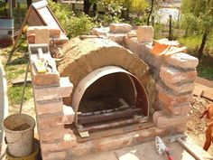 DIY oven building instructions Effective pictures that we offer about wood turning A quality picture can tell you many things. Here are the most beautiful pictures that can Home Pizza Oven, Build A Pizza Oven, Pizza Oven Outdoor, Barbacoa, Brick Bbq, Four A Pizza, Garden Buildings, Construction, Brick Fireplace