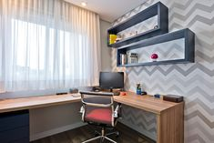 Apartamento ES por Luciana Ribeiro Arquitetura | homify Corner Desk, Furniture, Home Decor, Workbench Stool, Men Office, Mini Office, Home Office Bedroom, Small Space Office, Youth Rooms