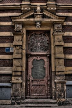 A doorway in Poland Grand Entrance, Entrance Doors, Doorway, Front Doors, Cool Doors, Unique Doors, Door Knockers, Door Knobs, Door Handles