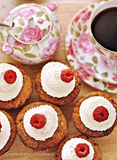 Raspberry and cream cupcakes recipe