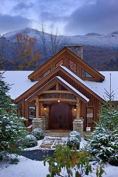 Timber frame home off in the mtns. My dream home! Timber Frame Homes, Timber House, Cabin In The Woods, Log Cabin Homes, Log Cabins, Mountain Homes, Mountain Cabins, Cabins And Cottages, Cabana