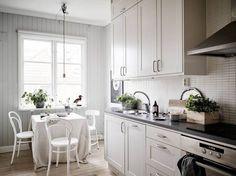 Piękna biała kuchnia - styl skandynawski
