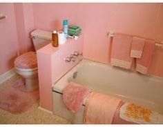 Pink Mid Century Bathrooms in America Pastel Bathroom, Bathroom Colors, Vintage Bathrooms, Pink Bathrooms, Pastel Interior, Interior Ideas, Mid Century Bathroom, Retro Renovation, Studio Apartment Decorating