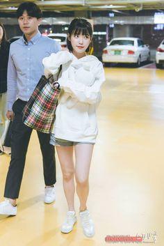 Iu Fashion, High End Fashion, Korean Fashion, Sporty Fashion, College Girl Fashion, College Girls, Korean Beauty, Asian Beauty, Cute Girls