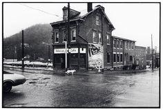 Helen and Joe, Pittsburgh, Pennsylvania, 1976 – Wim Wenders  http://phdonohue.tumblr.com/post/132184123568