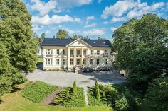 Madserud gård, Madserud allé 34, 0274 Oslo, Norway Oslo, Mansions, House Styles, Villas, Home, Mansion Houses, Manor Houses, House, Villa