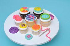 Petits gâteaux mignons comme des boutons
