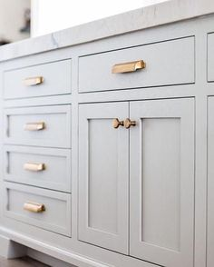 29 great kitchen cupboard handles images in 2019 kitchen cabinets rh pinterest com