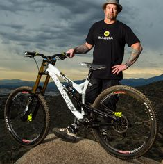 Santa Cruz Mtb, Shaun Palmer, Fat Bike, World Of Sports, Cyclists, Super Bikes, Cool Bikes, Mountain Biking, Biker