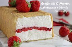 Questo dolce fresco e delicato è davvero buonissimo, il Semifreddo di Pavesini, Mascarpone e Fragole farà impazzire i vostri ospiti :D
