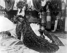 Theda Bara, Cleopatra, 1917
