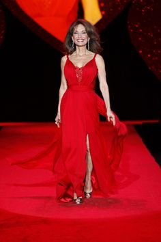 http://upload.wikimedia.org/wikipedia/commons/f/f9/Susan_Lucci_at_The_Heart_Truth_2009.jpg