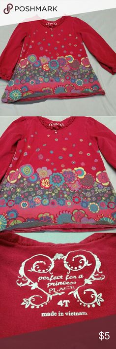 Perfect for a Princess PLACE 4T long sleeve shirt Perfect for a Princess Place 4T long sleeve shirt. It's an excellent condition and it's absolutely adorable! Originally $15! Now only $5!  Save up to 75%! Bundle 3 items and save an extra 15%! Together that's saving up to 90%!  I typically ship the same day using Priority Mail 2 to 3 days shipping.  Thank you for checking on my closet and shopping with me! the Children's Place Shirts & Tops Tees - Long Sleeve