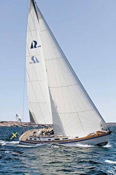 Hallberg-Rassy - Yachts - Center Cockpit Boats
