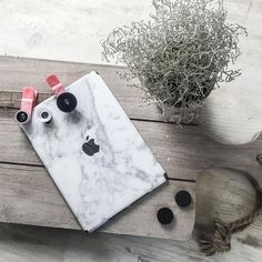Marble your iPad.  | www.uniqfind.com | #ipad #uniqfind