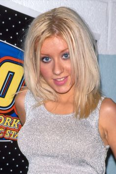 Young Christina Aguilera in Sparkly Gray Midriff and Jeans Christina Aguilera 1999, Christina Ricci, Sharon Stone Photos, Bad Makeup, Kendall, Kylie, Jhene Aiko, Sarah Michelle Gellar, 2000s Fashion