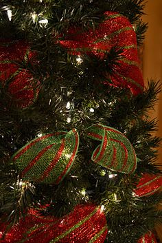 Kristen's Creations: Decorating A Christmas Tree With Mesh Ribbon Tutorial Grinch Christmas Decorations, Merry Christmas, Ribbon On Christmas Tree, Christmas Goodies, Winter Christmas, Christmas Holidays, Christmas Crafts, Christmas Ideas, Xmas Trees