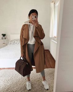 To find out about the Pocket Front Waterfall Coat at SHEIN, part of our latest Outerwear ready to shop online today! Cute Comfy Outfits, Classy Outfits, Stylish Outfits, Casual Sporty Outfits, Winter Fashion Outfits, Look Fashion, Fall Outfits, Fashion Clothes, Fashion Women