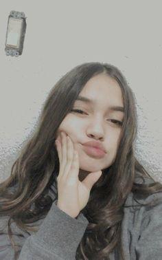 Teenage Girl Photography, Girl Photography Poses, Cute Girl Poses, Girl Photo Poses, Cool Girl Pictures, Girl Photos, Pretty Selfies, Snap Girls, Snapchat Girls