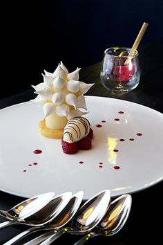 Lemon meringue pie by Patrick Henriroux