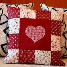 ideas sewing pillows patchwork ideas A cover – that incorporates a little scrub major Sewing Pillows, Diy Pillows, Decorative Pillows, Patchwork Cushion, Quilted Pillow, Patchwork Quilting, Patchwork Ideas, Quilting Projects, Sewing Projects