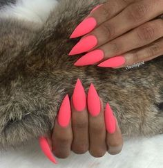 Both long nails and short nails can be fashionable and beautiful by artists. Short coffin nail art designs are something you must choose to try. They are one of the most popular nail art designs. Pink Stiletto Nails, Cute Pink Nails, Neon Nails, Blue Nails, Pointed Nails, Stelleto Nails, Nails 2016, Dance Nails, Colorful Nail