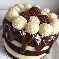 Bolo Nake Cake, Kreative Desserts, Cake Recipes, Dessert Recipes, Food Wishes, Food Garnishes, Cake Boss, Drip Cakes, Recipes From Heaven
