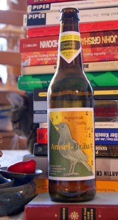 Foto: Beer Bottle, Signs, Drinks, Photos, Beer, Darkness, Drinking, Beverages, Shop Signs