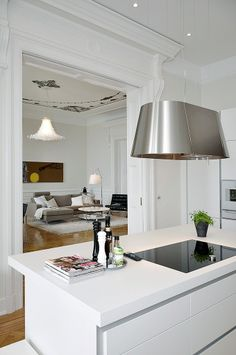 Kitchen Hood Ideas – Let's agree that making food is an exhausting activity for most of us. Kitchen Hood Design, Kitchen Hoods, Kitchen Extractor, Extractor Fans, Bay Window Design, Country Look, Sweet Home, Kitchen Dinning, Dining